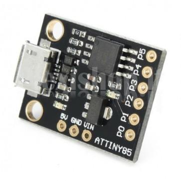 La scheda di sviluppo mini-USB ATtiny85 è simile alla più conosciuta piattaforma Arduino, rispetto a quest'ultima è più economica e più piccola ma anche un po' meno potente.